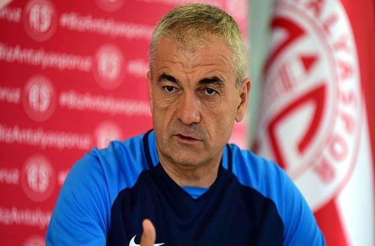Yıldızlar Rıza Çalımbay'ı yedi - Antalyaspor'un başarılı teknik direktörü Rıza Çalımbay görevinden alındı.  Yeni transfer Samir Nasri ile geldiği günden bu yana anlaşmakta zorluk çeken Rıza Çalımbay en son yaşanan Samuel Eto'o krizi sonrasında görevinden alındı.  Rıza Çalımbay'ın oyunculardan yana tavır sergileyen yönetim - http://bit.ly/2ha6P4d