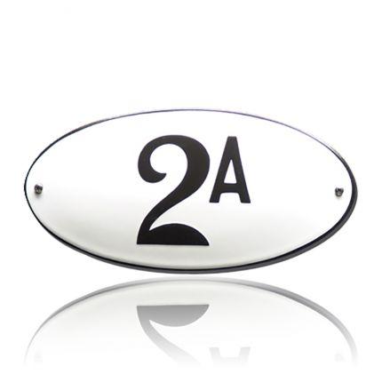 HG-18/WI-ZW emaille huisnummer. Retro design op prachtig, ovaal emaille!