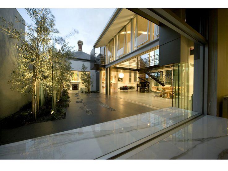 Courtyard. Wedmore House - Bird de la Coeur Architects