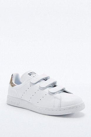 adidas Originals - Baskets Stan Smith blanches détail serpent et scratchs - Urban Outfitters