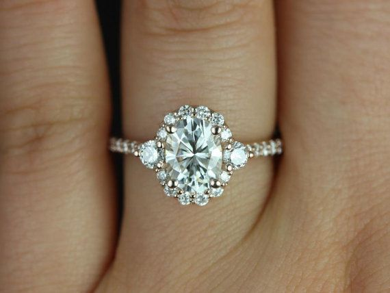 THE MOST PERFECT RING THAT I HAVE EVER LAID EYES ON!!!!!! Omg! Wow. I have no words.