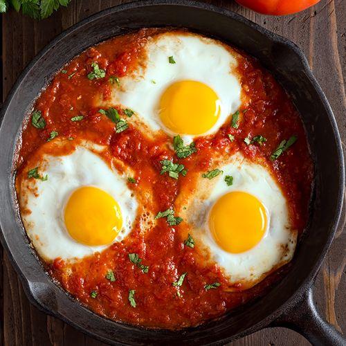 Ovos Assados ao Molho de Tomate