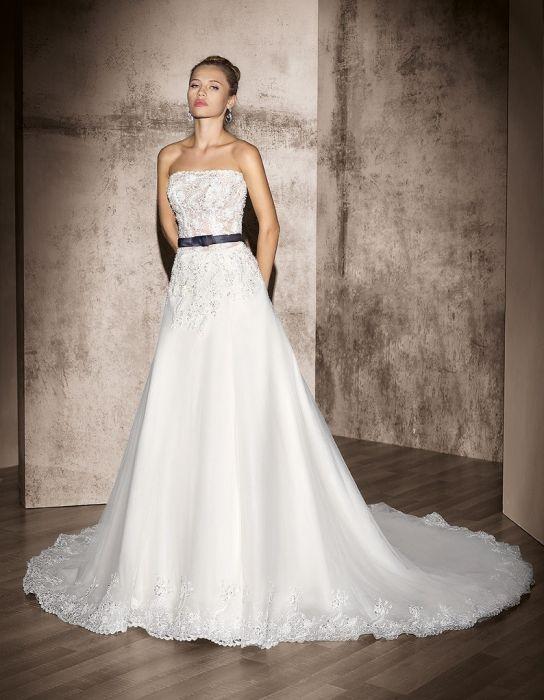 Abiti da sposa blu e bianco