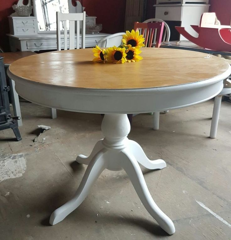 large extendable round oval pedestal dining table