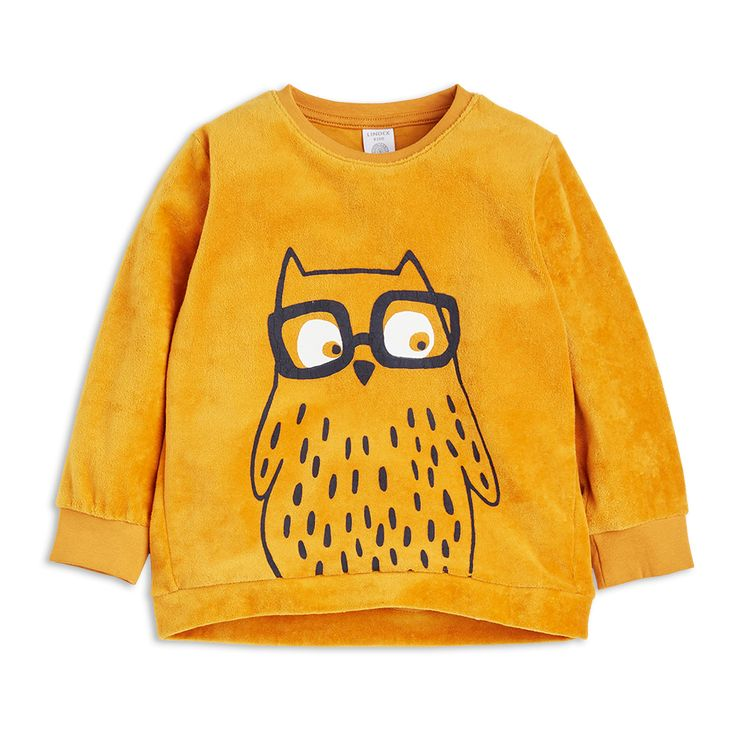 It is important to be comfy when playing. The quirky and cute owl print on soft velour makes this sweater perfect for playtime.