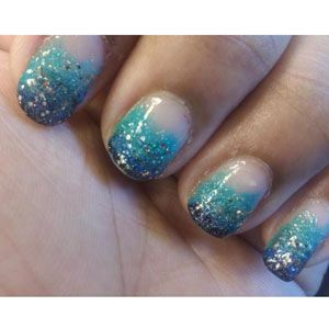 Nail Design Pictures - Creative Celebrity Nail Polish Designs - SeventeenNails Style, Nails Design, Blue Sparkly, Glitter Nails, Gradient Nails, Nails Polish Design, Celebrities Nails, Sparkly Nails, Blue Nails