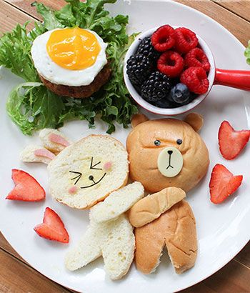 A whole lot of food art designs to make your kids smile, and hopefully eat their snacks. These incredible works of (food) art almost look too good to eat!