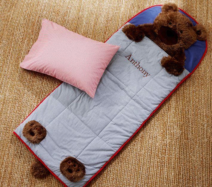 Todo lo que sus hijos necesitan para disfrutar de una siesta supercozy está aquí - una manta de lana, un sleeping bag ,una estera y una alm...
