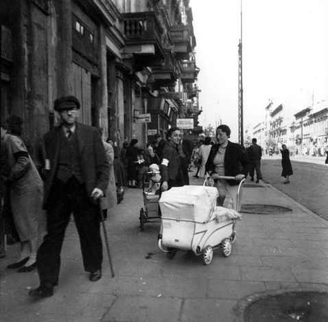 Warsaw, Poland, Jews wearing armbands in a ghetto street, 19/09/1941.