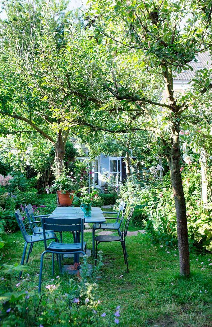 Vi har håndplukket en række havefotos, som vil få dig til at glemme alt om vintermørke og sjaskede staudebede uden liv. Svælg i disse haver, bliv inspireret - foråret er lige om hjørnet.