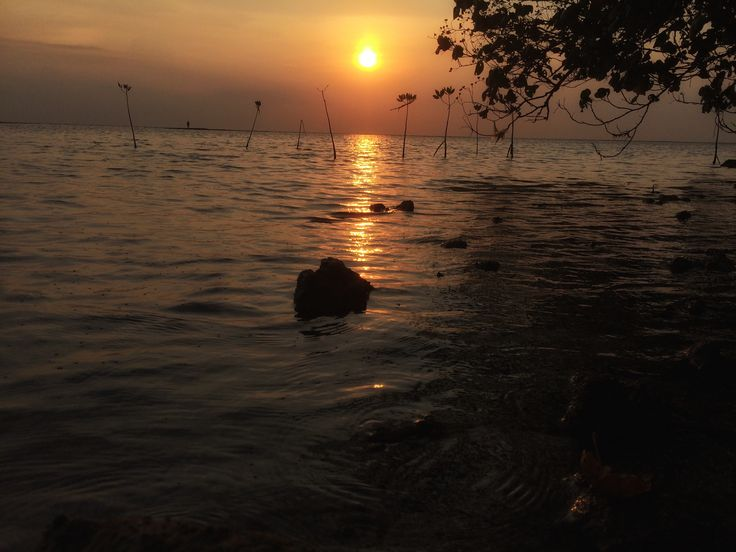 why i feel this feeling... the saddest sunset i ever saw