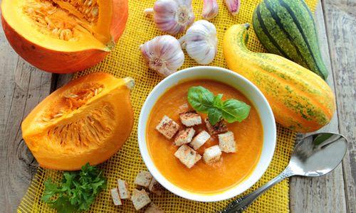 Тыквенный крем-суп с сухариками