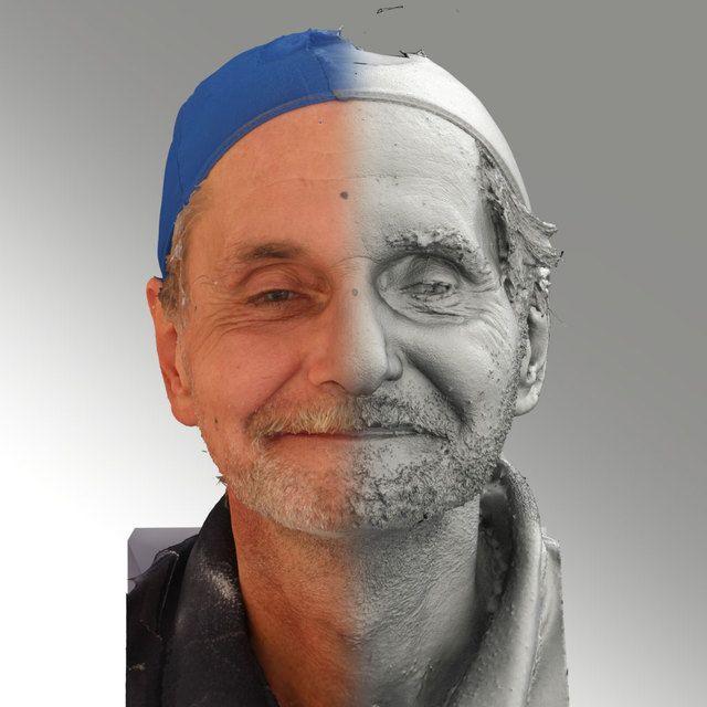 3D Head Scan Of Natural Smiling Emotion   Richard