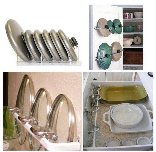 Tampas de panela também podem ser armazenadas em escorredores de pratos ou guias parafusadas na parte interna da porta do armário.