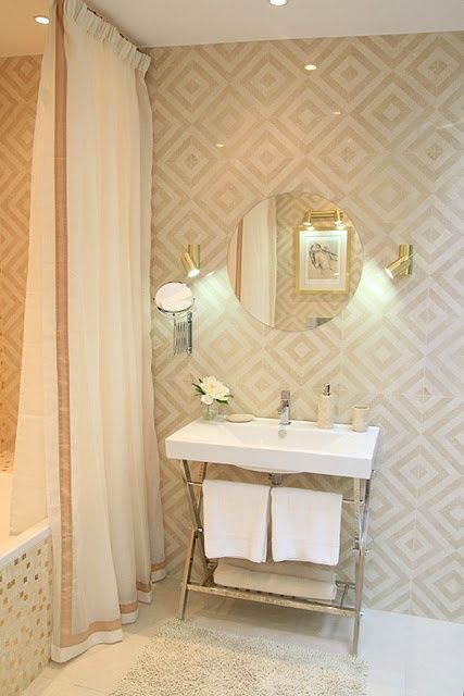 love this bathroom! the tile, the wall paper, the curtains, everything!