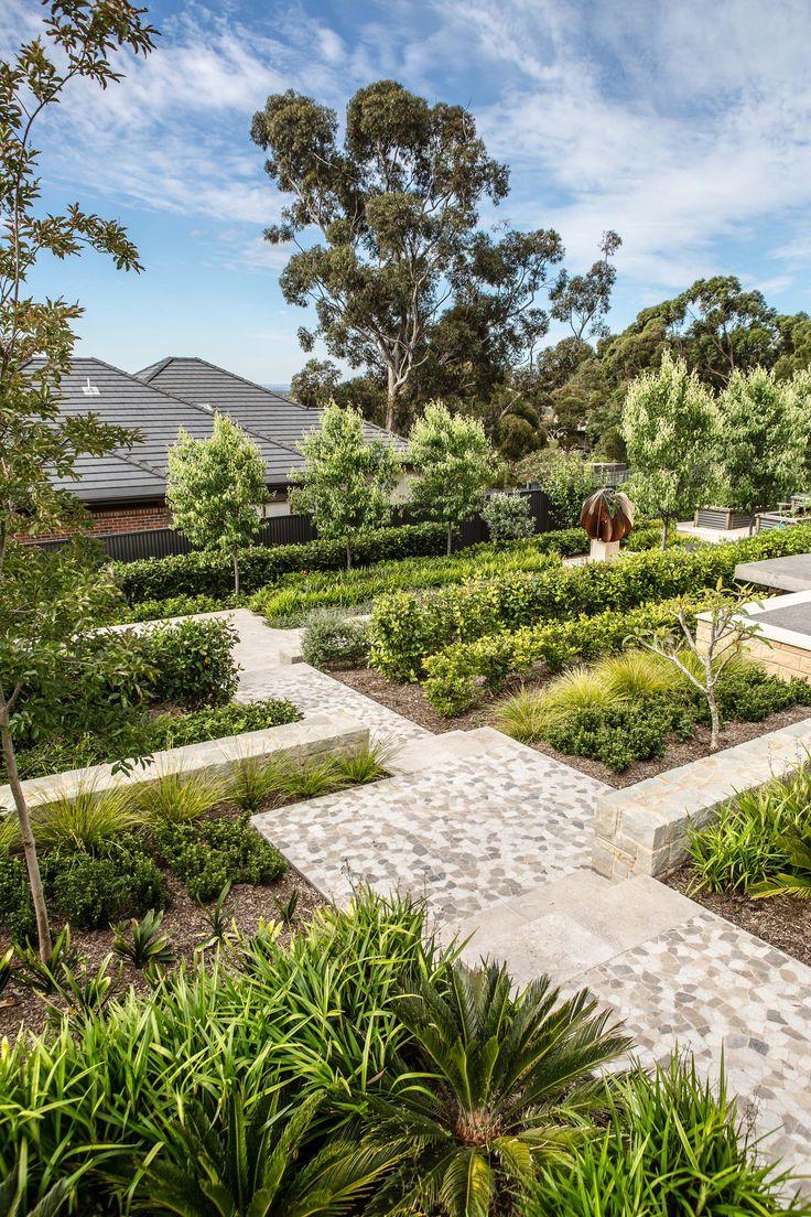 Mitcham residence - Inlaid pebble pathway