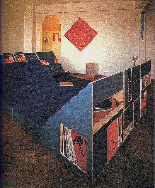 1970s Vinyl LifeStyle audiophile bedroom by Uniko