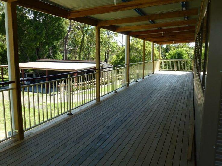 Mid rail design aluminium balustrade
