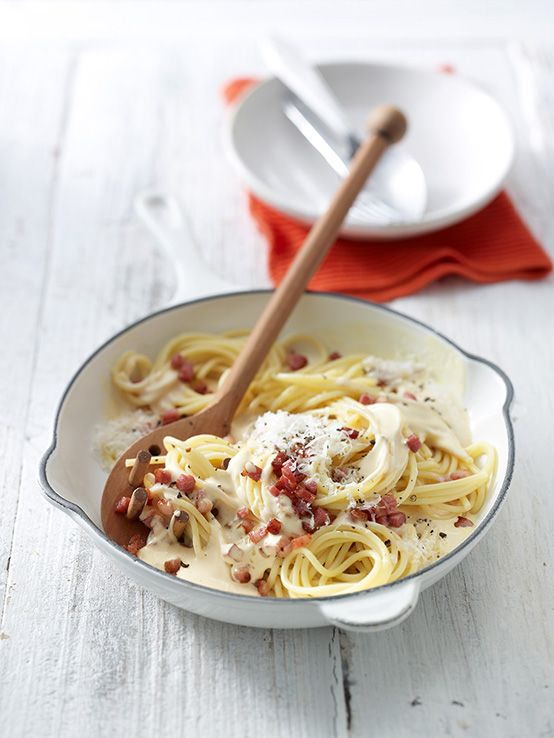 Spaghetti alla Carbonara nach Südtiroler Art - mit Speck und Käse