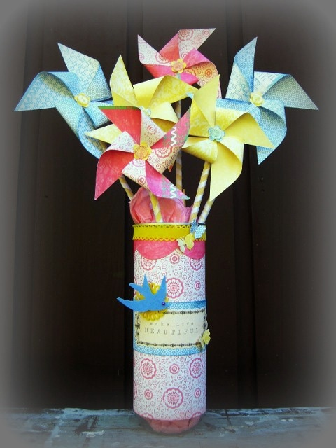 Scrapz N Stuff: Pinwheel summer centerpiece