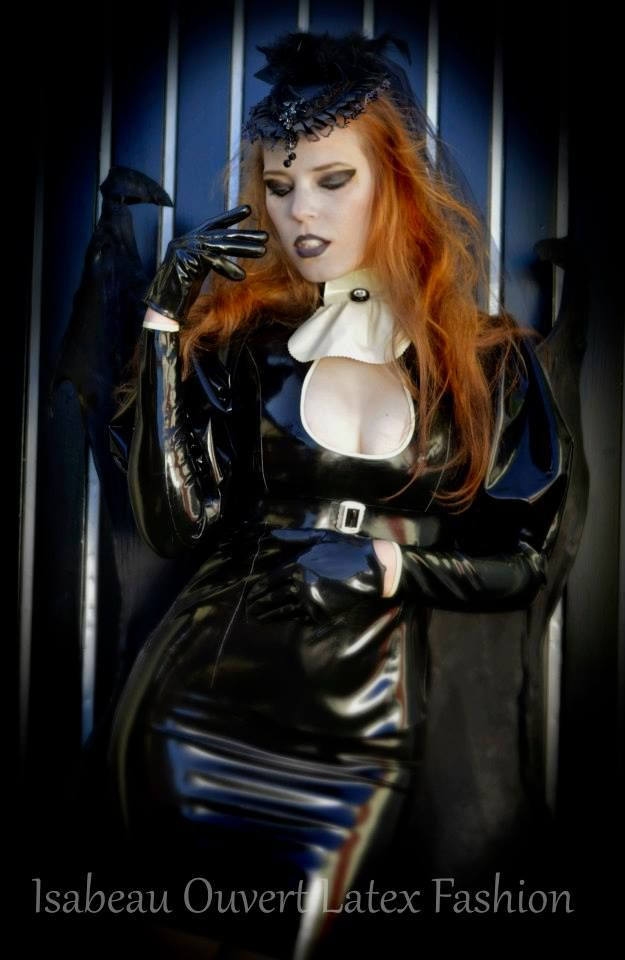 16 best fashion latex images on pinterest latex fashion model and gothic - Dressing ouvert ...