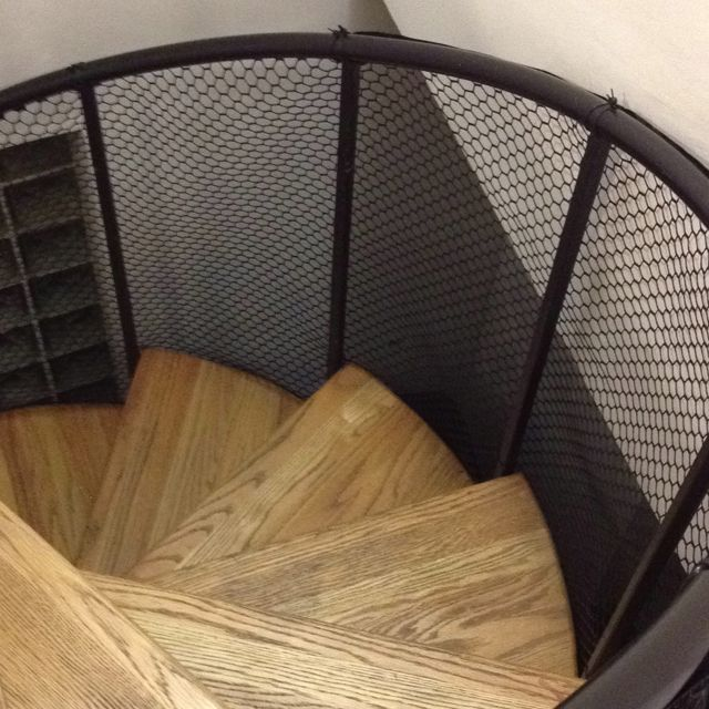 Great DIY Childproof Spiral Staircase With Poultry Fencing And Zip Ties.  Affordable And Not Hideous.