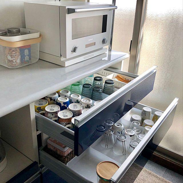 キッチンの引き出し見せて 真似したい収納法10のスタイル キッチンパントリーの