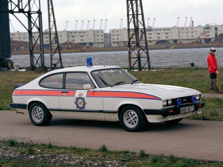 Ford Capri 2.8i Police car UK 1983