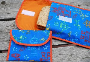 These Reusable Fabric Sandwich and Snack Bags are not only good for the environment, but they are also adorable and budget-friendly. Follow this tutorial to learn how to make reusable snack bags that will add smiles to lunchtime.