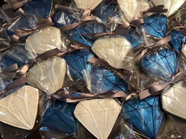 Heading to Dallas - Diamonds Direct - See more of our cookies at http://www.ctcookietreats.com