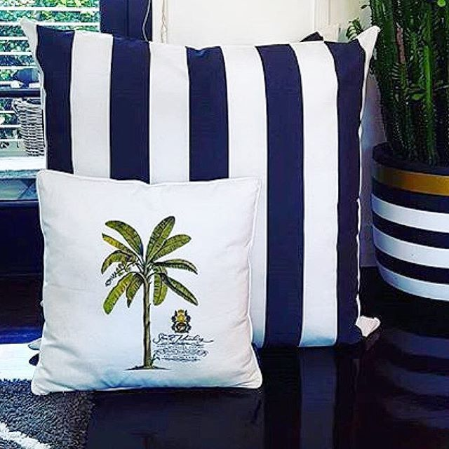 BERMUDA PALM  regram #pineapplevilla  MIX&MATCH pillows from the #stuartmemberypillowcollection for a personal range of expression #shoponline #shipworldwide #3day #expressaustraliapost ✈️@stuartmemberyhome