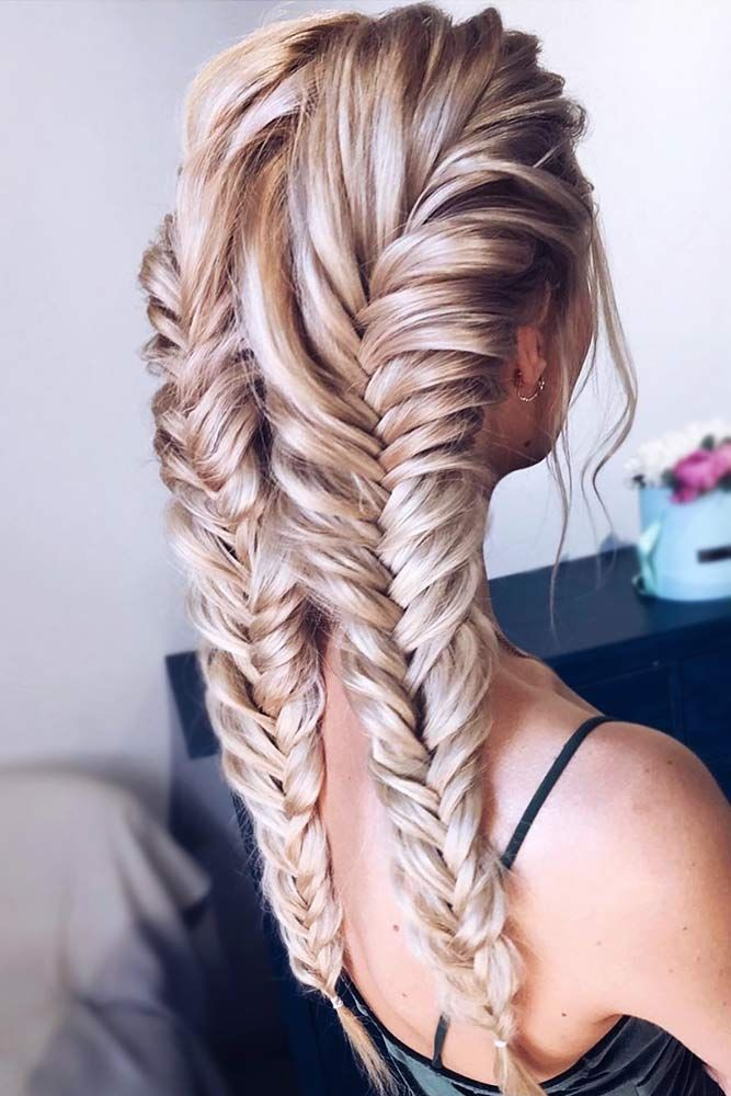 Two Braids Are A Stylish Comeback Of Your Childhood Różne