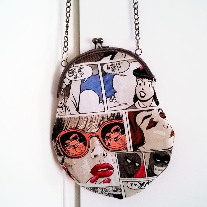 Tuto #DIY : faites votre #sac porte-monnaie à l'ancienne ! http://mllecocotte.fr/couture/tuto-sac-porte-monnaie-a-lancienne/