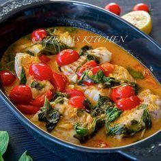 Torskrygg med tomat, citron, vitlök och spenat Sååå fräsch och god rätt. Lika god att servera med potatis, ris eller pasta. Recept hittar du på bloggens startsida, gå till zeinaskitchen.se