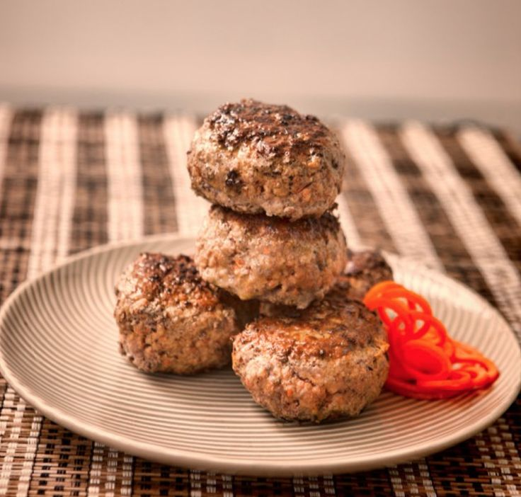 Beef Burger Patties with basil, oregano, eggs and garlic. From the new Paleo and SCD compliant 'Essential Healing Foods' e-book Gluten-free, grain-free, refined sugar-free and dairy-free. Head to the website to download!