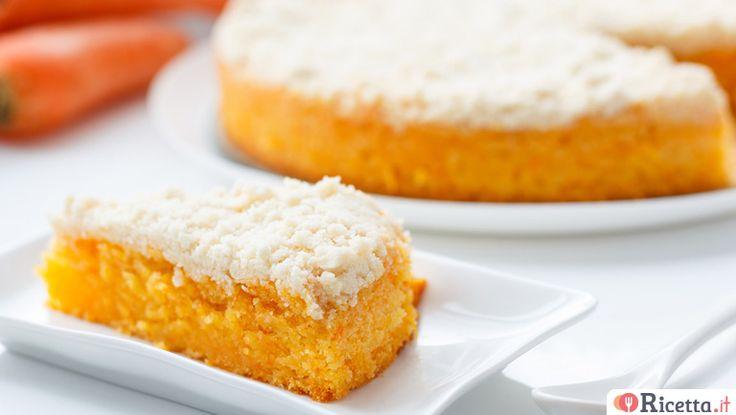 La torta Camilla di carote è una versione casalinga della famosa merendina, amata da molti per la sua morbidezza e il suo sapore intenso abbinato al gusto delle mandorle e dell'arancia. Questa torta è molto gustosa, ricca di vitamine e minerali, grazie alla presenza delle carote e delle mandorle che caricano di energia l'
