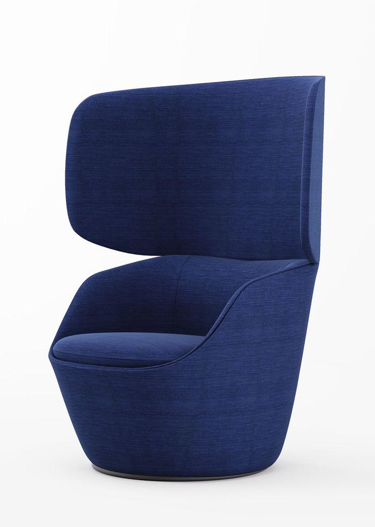 Poltrona imbottita avvolgente, schienale alto e rivestimento in tessuto blu. Enveloping upholstered armchair, high back and blue fabric cover. Radar, Claesson Koivisto Rune for @casamania #vemblu #vemitalia