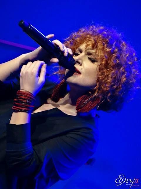"SOLD OUT και η χθεσινή 5η παράσταση της Ελεωνόρας στο Άνοδος Live Stage... Και πραγματικά έγινε ΧΑΜΟΣ!!! Έτσι, ""Χωρίς εξηγήσεις..."" έχουμε παράταση παραστάσεων!!! Σάββατο 18 & 25 Μαρτίου και Σάββατο 1 & 8 Απριλίου. #eleonorazouganeli #eleonorazouganelh #zouganeli #zouganelh #zoyganeli #zoyganelh #elews #elewsofficial #elewsofficialfanclub #fanclub"