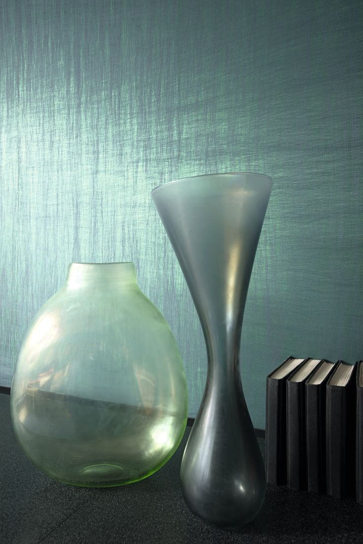 #Luminescent showcases 2 designs in a burst of #metallic radiance. Using state of the art technology, new material is  invented with hammering techniques thus giving a new look to #wallcovering. Wallcovering from Luminescent