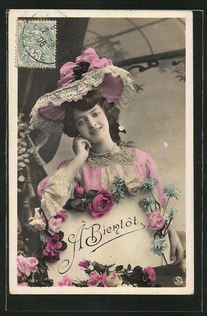 schöne AK Frau mit rosa Spitzen Hut und Blumenranke 1906