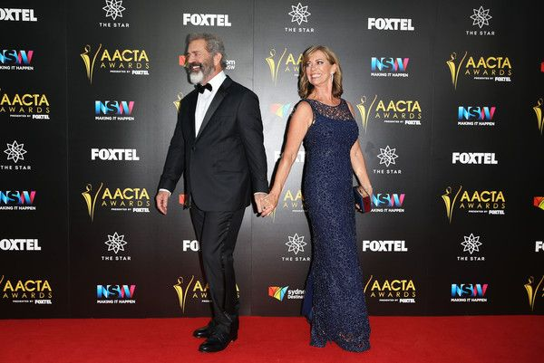 Kerry Armstrong Photos - Mel Gibson and Kerry Armstrong arrive ahead of the 6th AACTA Awards Presented by Foxtel at The Star on December 7, 2016 in Sydney, Australia. - 6th AACTA Awards Presented by Foxtel | Red Carpet Arrivals