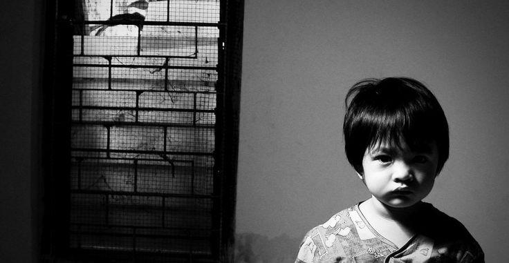 Tener miedo a determinadas situaciones, y desarrollar ciertas manías o hábitos desagradables es algo bastante común en los niños. Además, algunos de estos comportamientos se mantienen durante la vida adulta de cualquier persona.