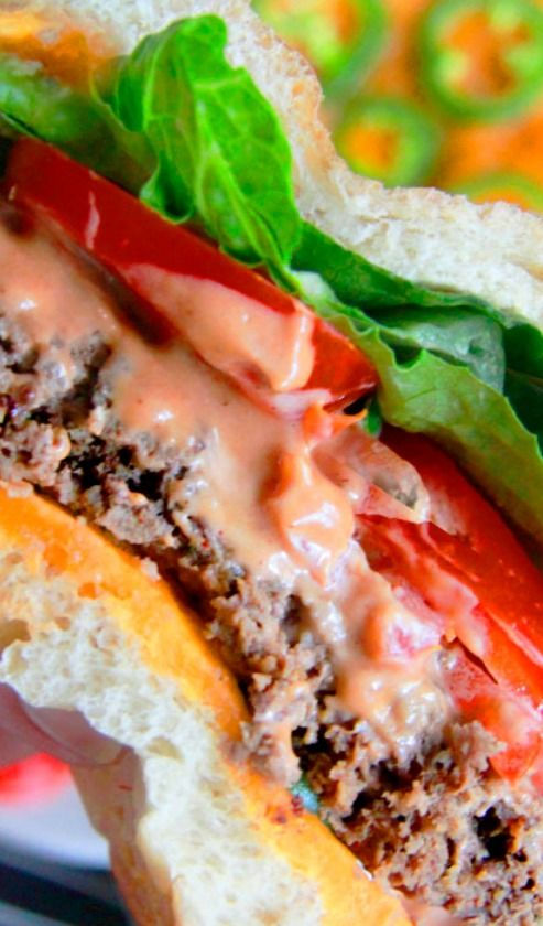 TOASTED JALAPENO CHEDDAR BUN BURGERS WITH BBQ MAYO RECIPE ~ SUPER GOOD BURGER!!!