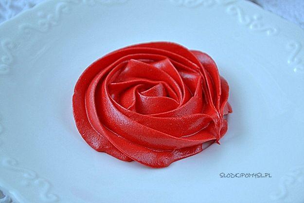 Czerwony Krem Do Dekoracji Tortu Jak Zrobic Czerwony Krem Maslany Do Tortu Krem Czerwony Do Tortu I Dekorowania Babeczek Rose