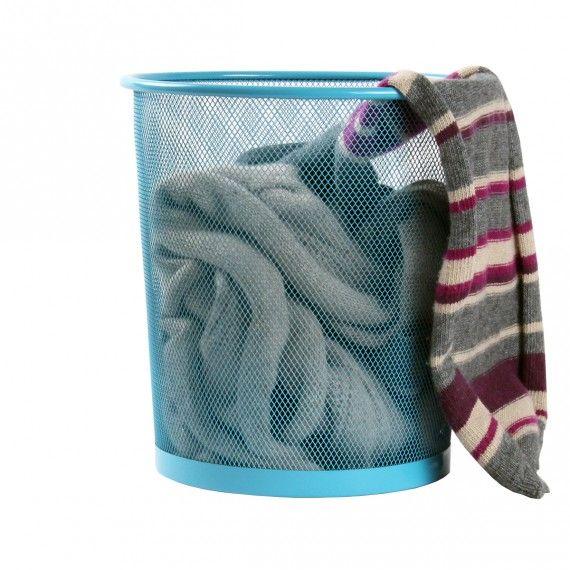 Corbeille à fixer à proximité des porte-manteaux pour stocker écharpes et foulards
