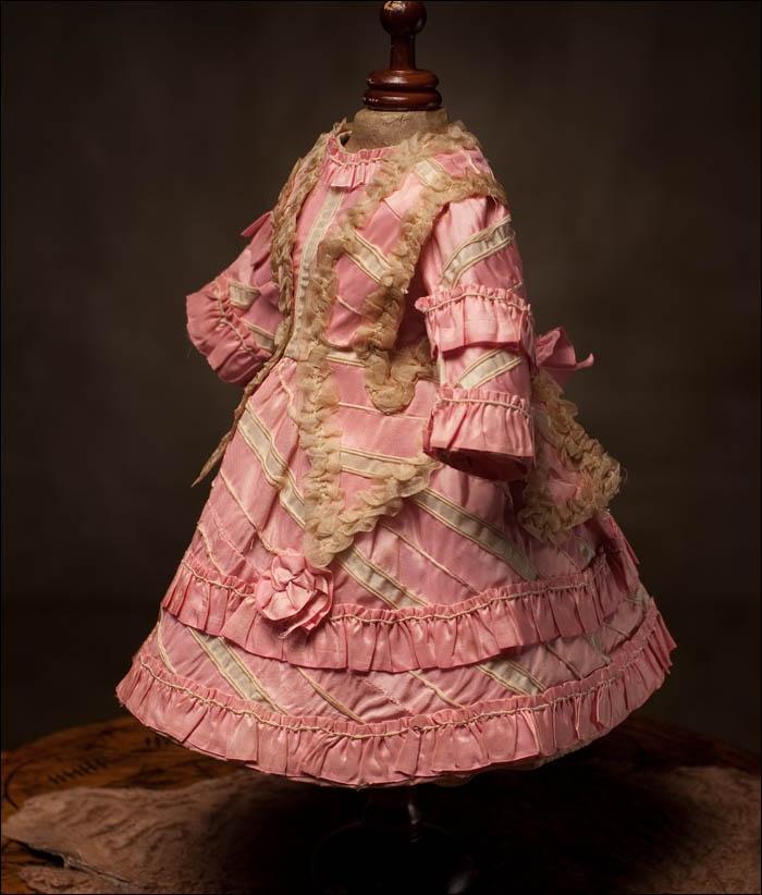 "Antique French Rose Silk Dress fits Jumeau Bru Doll 17-18"" (43-46 cm) Antique dolls at Respectfulbear.com"