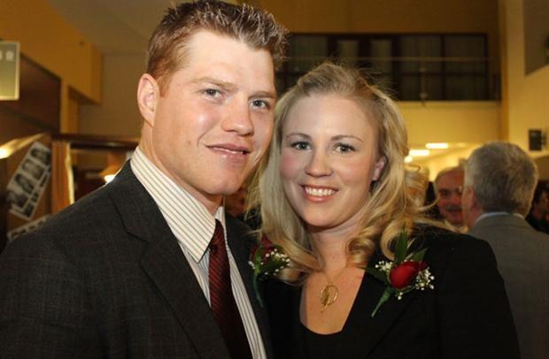 one lucky woman, hes gorgggg..#25 chris neil, ottawa sens