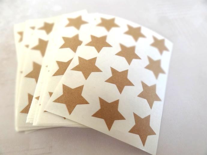 bopapier.com | Des mini-étoiles pour un emballage céleste