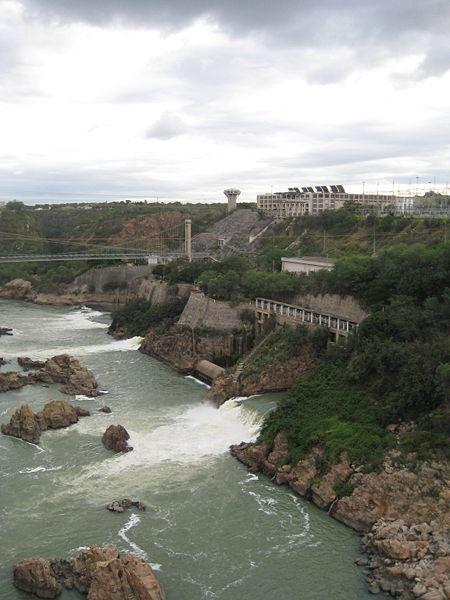 """Usinas hydroelectricas """"PA I"""", """"PA II"""" e """"PA III"""" em Paulo Afonso, Bahia, Brasil."""
