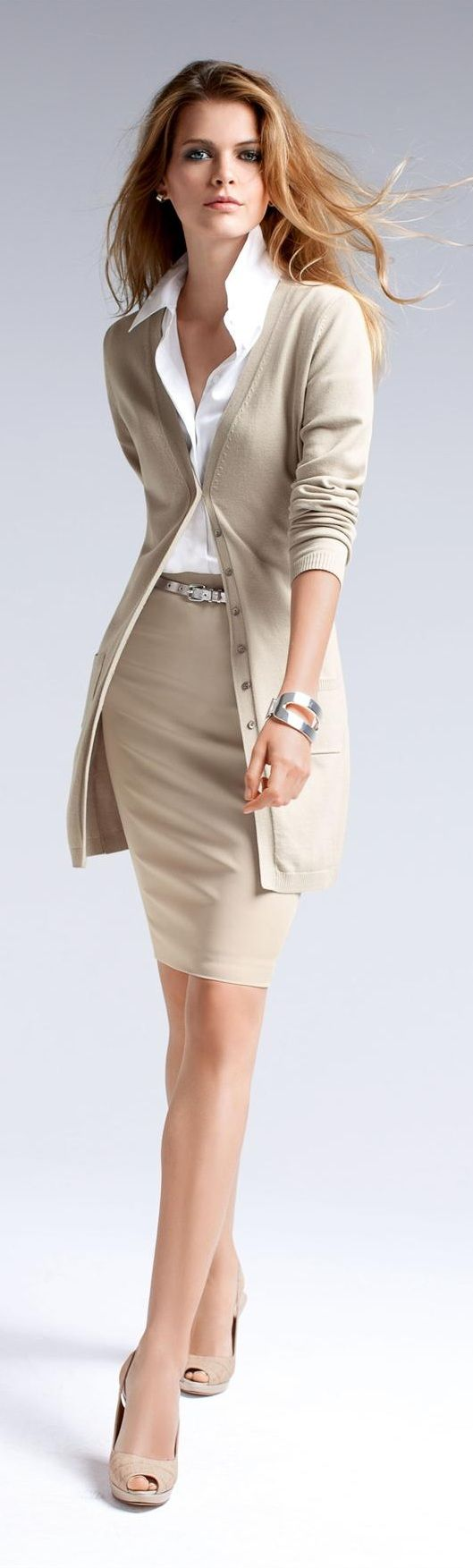 ☼Madeleine ~ lower hemline for a woman of a certain age but overall look is sensational!